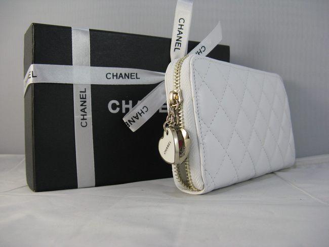 女性 中財布 46579 CHANELシャネル 白い シャネル羊革