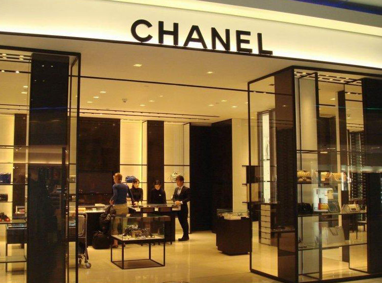 CHANELシャネル 48700 白い 女性 クラッチバッグ 女性財布 シャネルエナメル