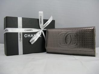 chanel コピー財布 91764 女性 クラッチ財布 銀白色 シャネルエナメル