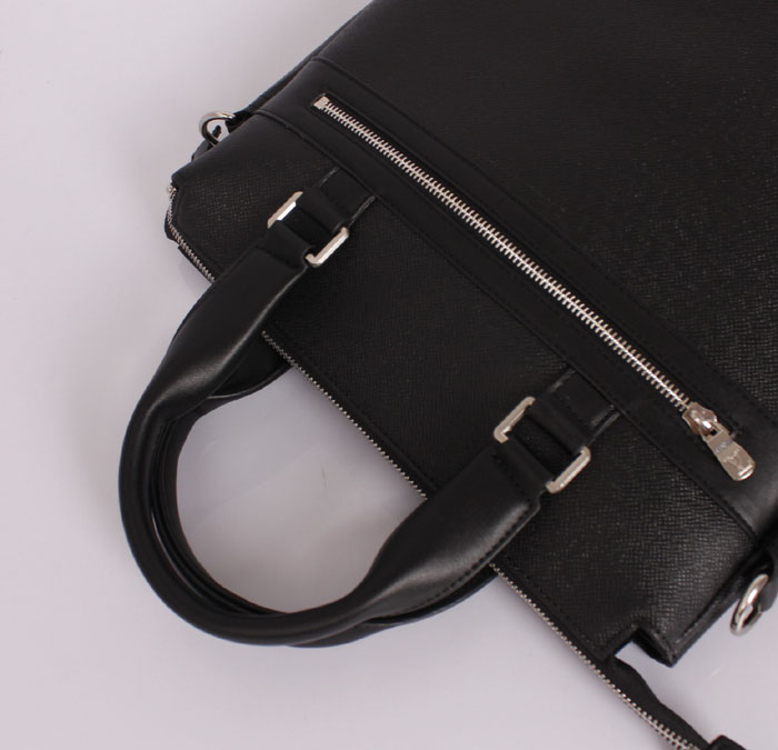 ブラック エピ・レザー メンズ ハンドバッグ メッセンジャーバッグ ルイ·ヴィトン Louis Vuitton M32097