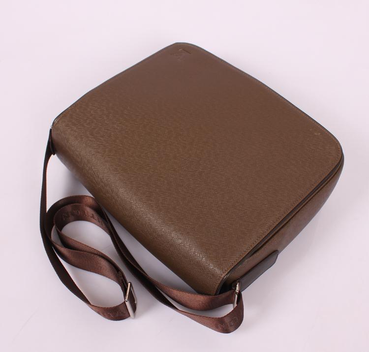 エピ・レザー ルイ·ヴィトン Louis Vuitton ブラウン 女性 ハンドバッグ M32086