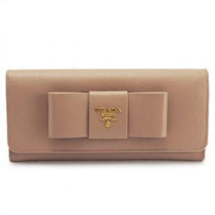 プラダ 財布 コピー 代金引換 二つ折り リボンモチーフ 型押しレザー ピンクベージュ 1M1132 SAFFIANO FIOCCO CAMMEO/ZTMF0770