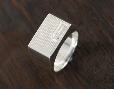 グッチ スーパーブランドコピー 代引き 通販信用できる ACGU163117J84008106レイズドG リング(指輪) スターリングシル
