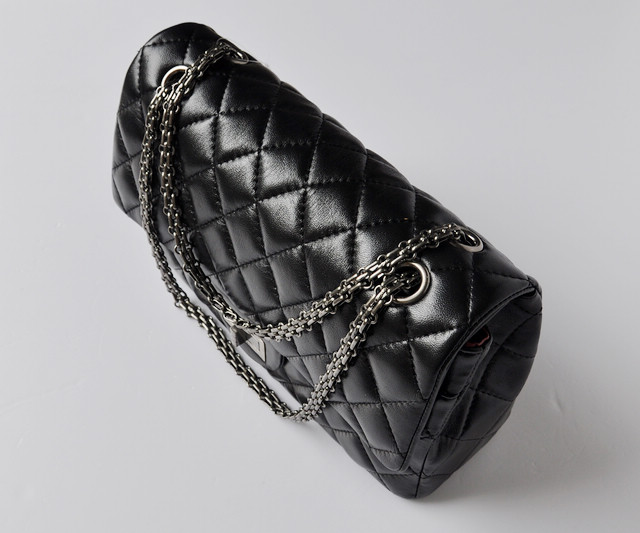 <b> ブラック 女性 ショルダーバッグ シャネル羊革 CHANELシャネル ECS009235</b>