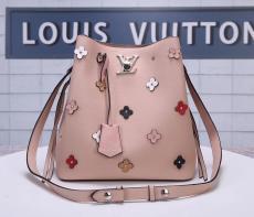 ルイヴィトン LOUIS VUITTON 斜めがけ  美品 M53081バッグレプリカ販売