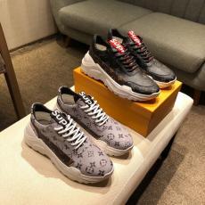 ブランド国内ルイヴィトン LOUIS VUITTON  2019年新作靴レプリカ販売